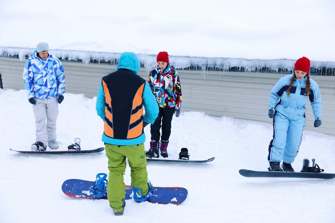 one foot-snowboard